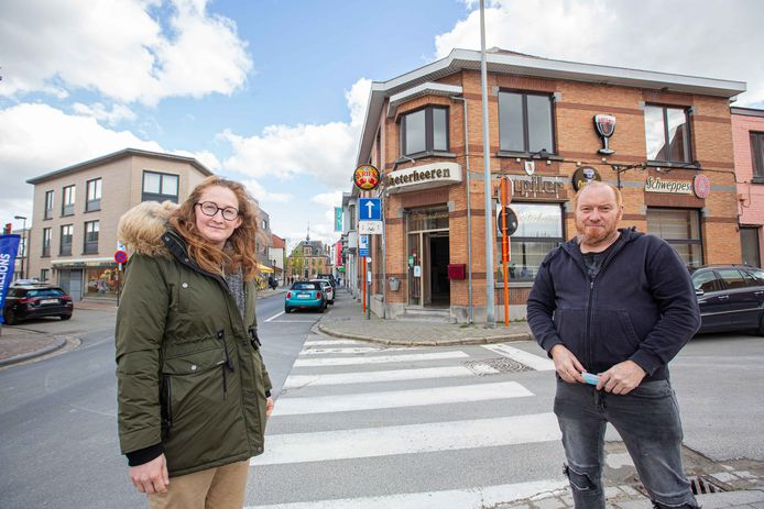 Patrick Hosten neemt de fakkel over van Vanessa Van Oudheusden en zal dit jaar de nieuwe uitbater van De Waterheeren aan het Marktplein worden.