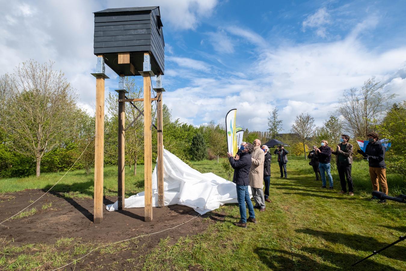 PUURS In het kader van het vleermuizenproject van Regionaal Landschap Schelde-Durme plaatst de provincie Antwerpen een vleermuizentoren in het Arboretum van Puurs-Sint-Amands