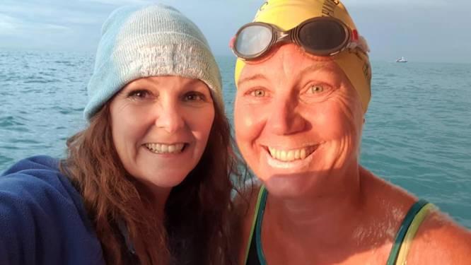 """Haïke (50) zwemt als eerste vrouw in 30 jaar Kanaal over: """"Met alleen badpak, badmuts en duikbril, als cadeau voor mijn 50ste verjaardag"""""""