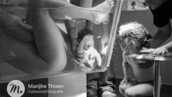 Facebook plooit: gecensureerde foto van onderwatergeboorte door Gentse fotografe opnieuw online