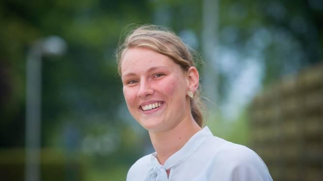 Dag van de Mantelzorg: Kaily Desmet (23) uit Heule zorgt al sinds haar elfde voor haar zieke mama