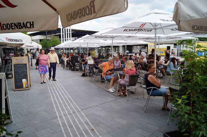 Roeselare wil klaar zijn voor de mogelijke heropening van de terrassen op zaterdag 8 mei. Hier een foto van voor de coronacrisis.