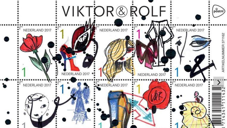 Ter ere van hun 25-jarige jubileum ontwierp modeduo Victor en Rolf een postzegelvel Beeld PostNL