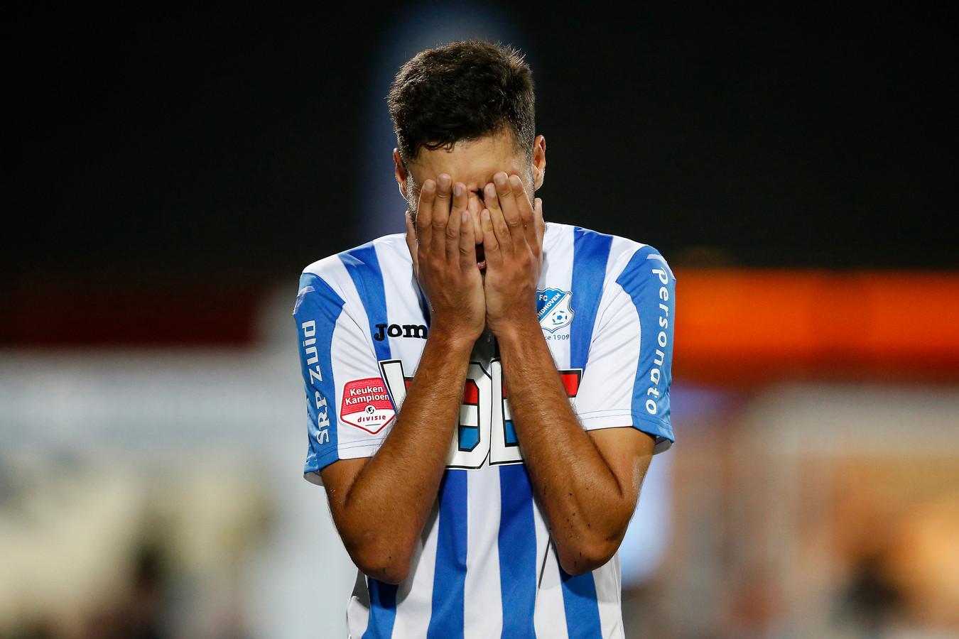 Teleurstelling bij Karim Essikal net het verlies tegen Almere City.