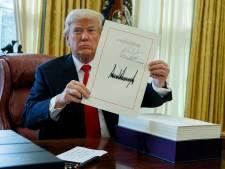 Donald Trump promulgue la baisse des impôts adoptée par le Congrès