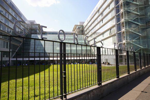 Schumacher werd opgenomen in het Georges Pompidou-ziekenhuis.