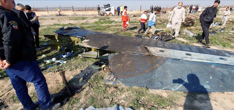 Brokstukken van de neergeschoten Boeing. Beeld via REUTERS