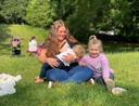 Josephine De Roo et ses filles Marith en Esmee.