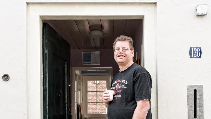 René Slotboom bij zijn kantoor aan de Muurhuizen. 'Ik denk redelijk zwart-wit. Eén en één is voor mij twee.'