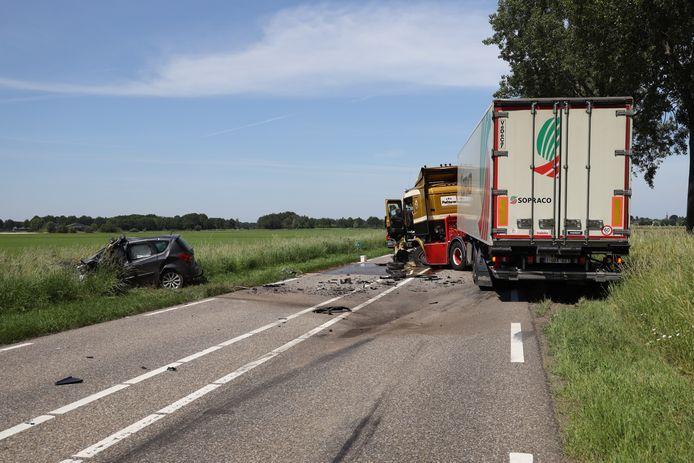 Bestuurder overlijdt bij botsing in Herpen.