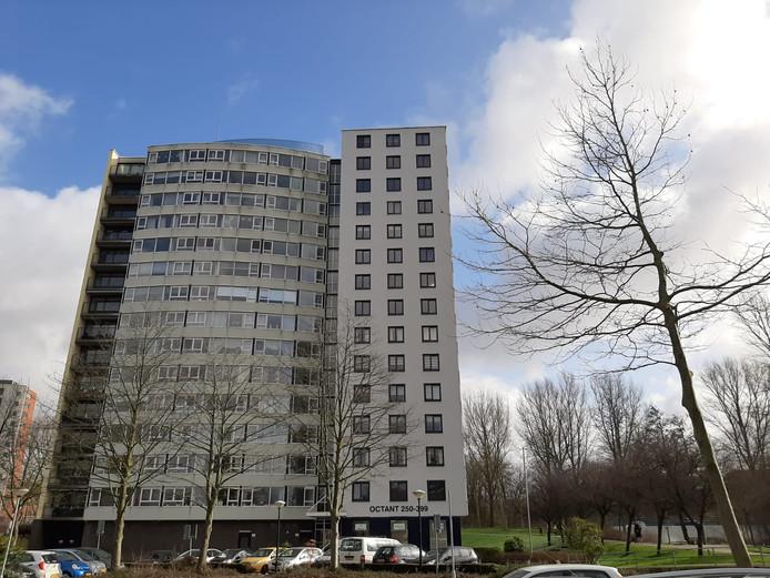 Nu de Octantflat in de Dordtse wijk Sterrenburg geen ouderencomplex meer is, zien bewoners het aantal problemen toenemen.
