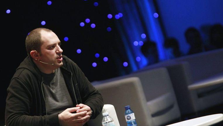 Jan Koum, oprichter van WhatsApp, staat samen met kompaan Brian Acton op 1. Beeld EPA
