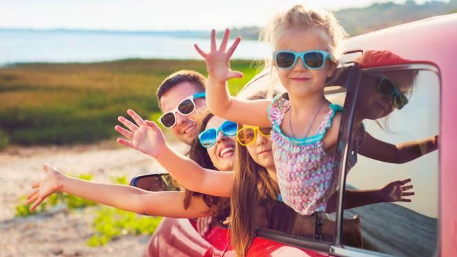 Veilig op reis met de auto: zo kom je zonder ongelukken op je bestemming aan