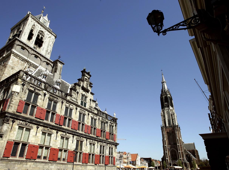 Beeld ter illustratie: Stadhuis op de Markt. Op de achtergrond de Nieuwe Kerk