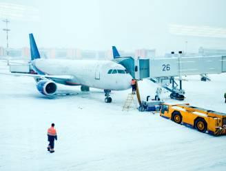 Boeing 777 met motorproblemen maakt noodlanding in Moskou