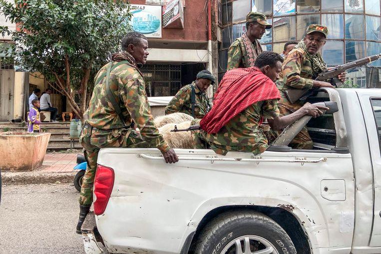 Militiestrijders uit Amhara.Het Ethiopische leger trekt met paramilitaire eenheden op in de strijd tegen Tigray, volgens het principe: de vijand van mijn vijand is mijn vriend.  Beeld AFP