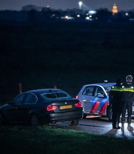 Twee aanhoudingen na beschieting auto Loo