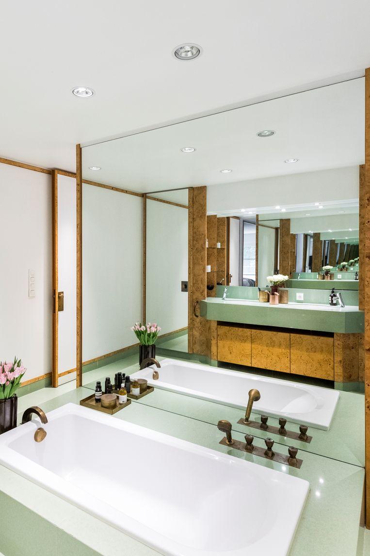 De badkamer 'en suite' van de master bedroom. Beeld Luc Roymans