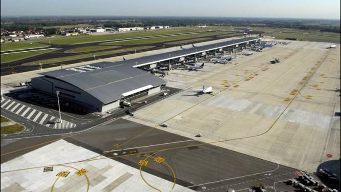 Illegalen vluchten ongemerkt weg over tarmac Zaventem