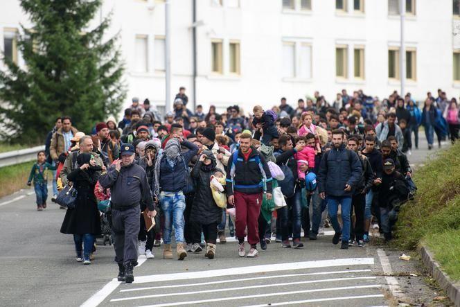 Vluchtelingen op weg naar Oostenrijk vanuit Slovenië.