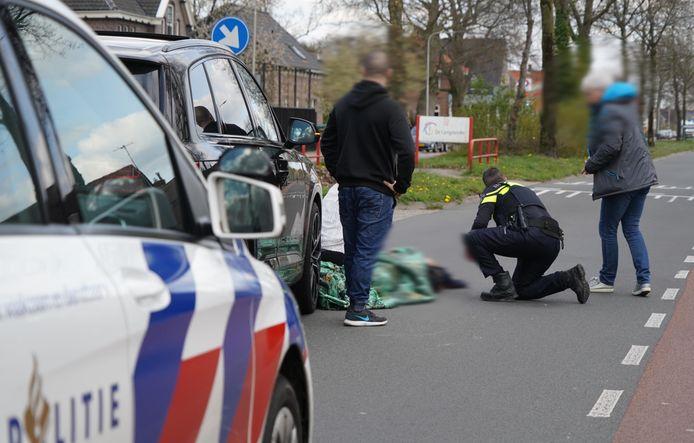 In Dedemsvaart is vanmiddag een meisje aangereden op de fiets op de kruising van de Langewijk met de Asterstraat.