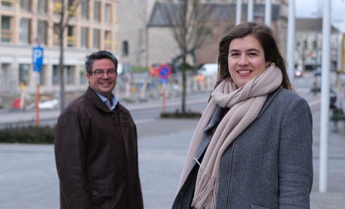 Lise-Marie Platteau en Wouter Bouckaert hekelen de uitgaven die Harelbeke deed met de steun uit het Noodfonds.
