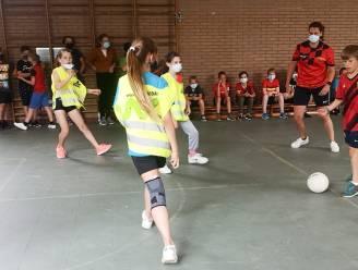 Leerlingen van de basisschool GO! - De BroeBELschool kunnen juffen tijdens eigen WK Voetbal net niet verslaan