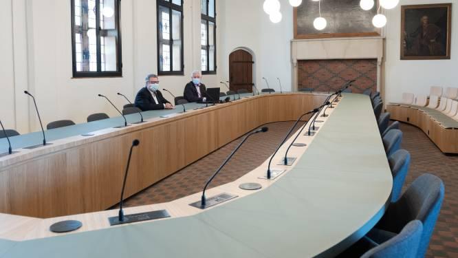 Raadzaal verhuist opnieuw naar historische stadhuis na volledige restauratie en modernisering