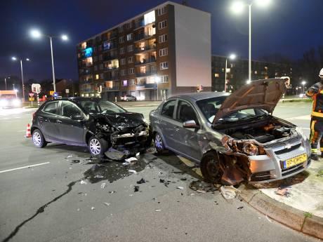 Ongeluk President Kennedylaan: ten minste één iemand gewond