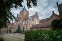 De binnenplaats van SintCatharinadal, een van de drie kloosters in de Oosterhoutse Heilige Driehoek.