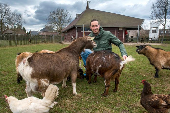 Eddy van Hummel, één van de initiatiefnemers van de nieuwe dierenweide.