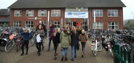 Scholen weer open, maar leerlingen in klas op 1,5 meter? 'Dat is niet te doen'