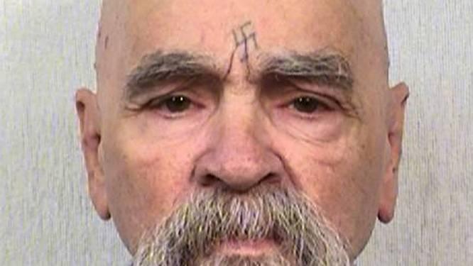 Massamoordenaar Charles Manson (80) trouwt met 26-jarige fan