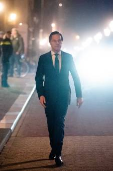 Rutte haalt snoeihard uit naar rechts: geen coalitie met Baudet die 'homofobe, racistische troep' verspreidt en 'wegloper' Wilders