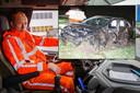 Links Terence Smit van De Jonge Internationale Berging en Transport. Rechts de zwaar beschadigde auto die door Smit werd gespot in het pikkedonker.