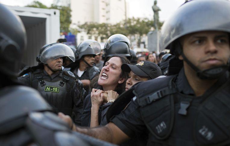 Straatprotest tegen de dure Olympische Spelen. Beeld ap