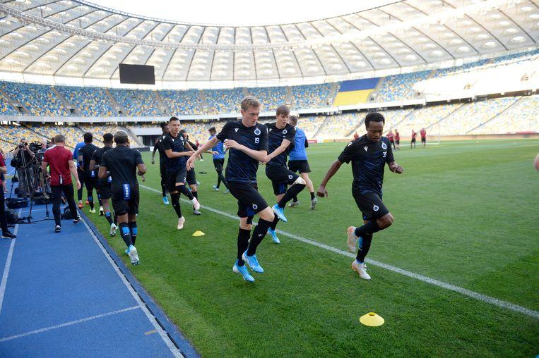 Vlietinck en Tau trainen in het stadion van Kiev. Beeld Photo News