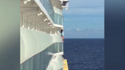 Vrouw mag nooit meer op cruise na levensgevaarlijke selfie