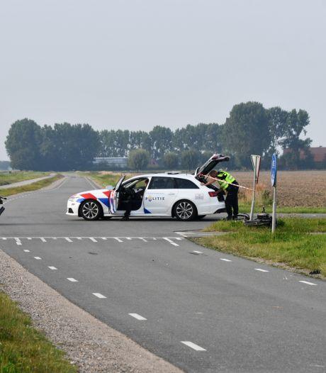 Fietser ernstig gewond bij botsing met motorrijder in IJzendijke