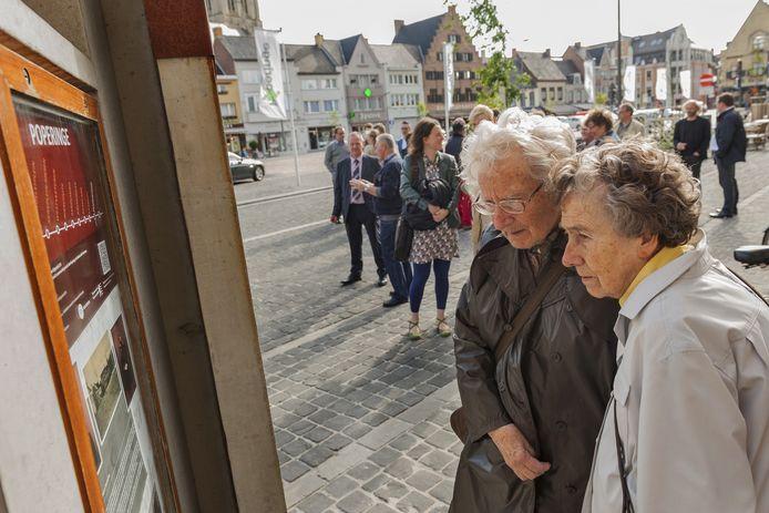 Naar aanleiding van de expo over Permeke in het stadhuis stond er in 2012 een tijdelijke erfgoedhalte op de Grote Markt in Poperinge, geplaatst door CO7.