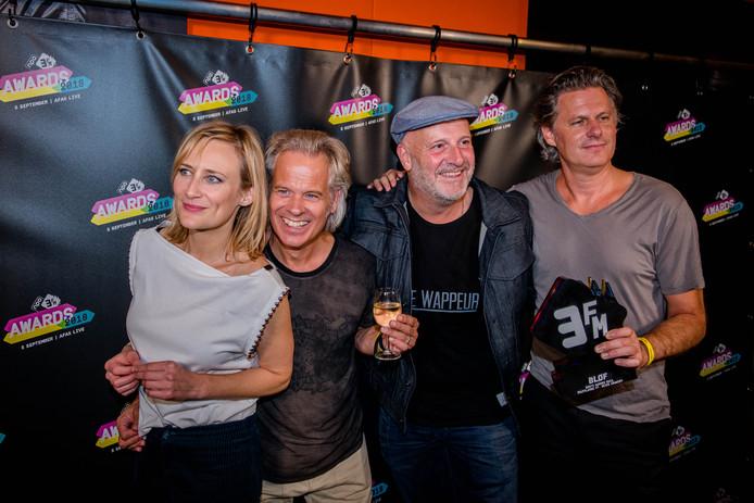 Het nummer Zoutelande van BLØF en Geike Arnaert is dit jaar de hoogste nieuwe binnenkomer in de Evergreen Top 1000 van NPO Radio 5. Het komt binnen op de 130e plaats.