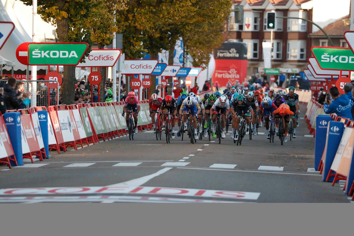 Een massasprint in de Vuelta.