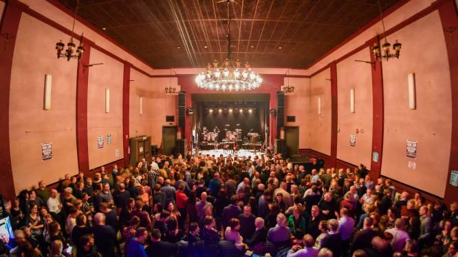 """Gemeentebestuur verwerft vruchtgebruik Zaal Lux voor de komende 27 jaar: """"Ruimte om te investeren in renovatie"""""""
