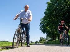 Zorgen om slecht onderhouden wegen en bermen in buitengebied Balkbrug: 'Het wordt steeds onveiliger'