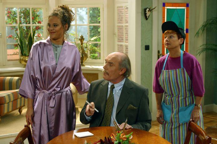 Frank Aendenboom als Roger in de VTM-sitcom 'Hallo België'.