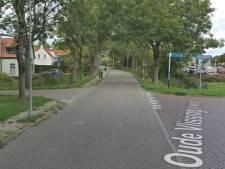 Automobilist stopt op kruising voor Middelburgse (35) en haar hond, maar geeft dan gas en rijdt haar aan