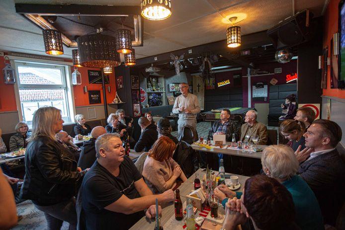 Afgelopen weekend vond een eerste samenkomst plaats in café 't Bakske, het lokaal van de afdeling.