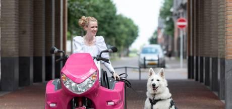 Elianne opnieuw met haar hulphond aan huis gekluisterd: 'En dat door vernielingen van anderen'