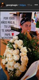 Het boeket rozen voor Ronaldo.