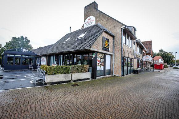 Restaurant De Wereld Is Klein in Varsenare.